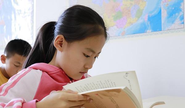 7—14周岁不容错过的四本经典好书,约读书房寒假班抢名额啦!!!