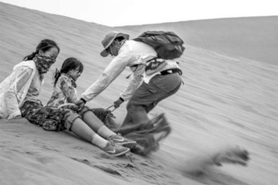 清明徒步库布齐沙漠,体验王者归来之快感。