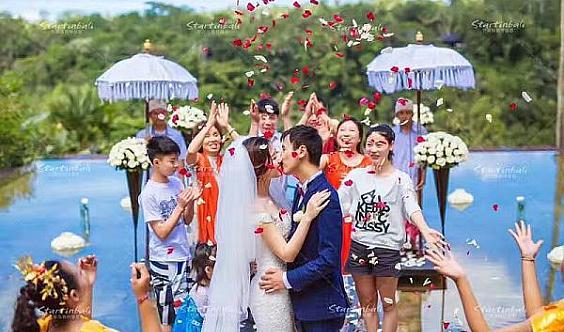 武汉高性价比婚纱摄影套餐原价7888元优惠价5888元《星海环球旅拍工作室》
