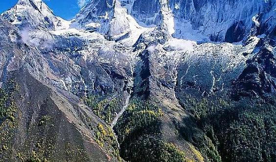 【10月18-23】踏过雪山、森林、湖泊,踏入一片火红,经典长穿毕