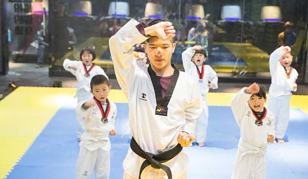 跃动客体育青少年跆拳道免费体验课