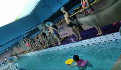 金仕堡游泳暑期班火热报名中